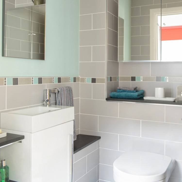 Small Bathroom Decorating Ideas Just Because Its A Small Space Mean You Can Neglect It Here Are Some Simple Tips On How To Decorate A Small Bathroom Small