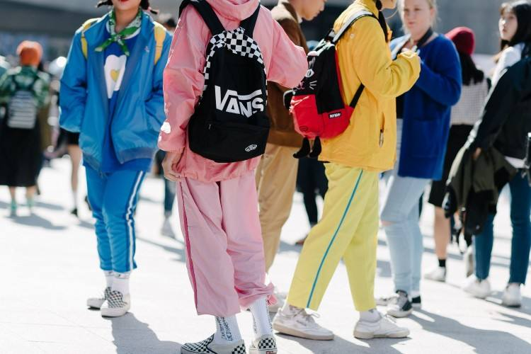 Seoul Fashion Week just ended in South Korea last week and besides focusing on the fashion trends emerging from the runways, the street styles that were