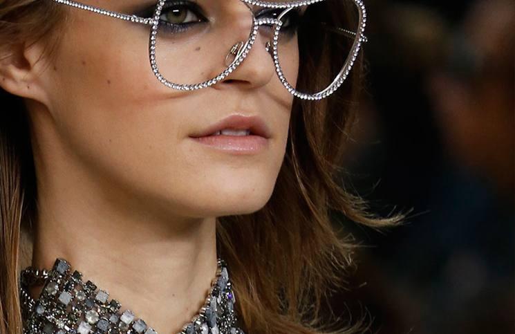 Fashionable Eyewear Trends for Women 2019