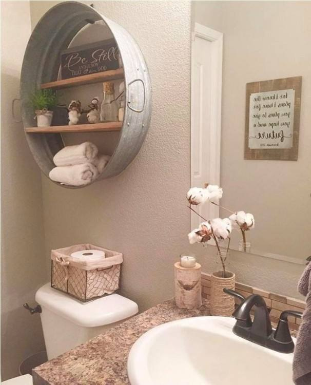 Gorgeous vintage bathroom, all white with marble