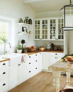 glass kitchen cabinet