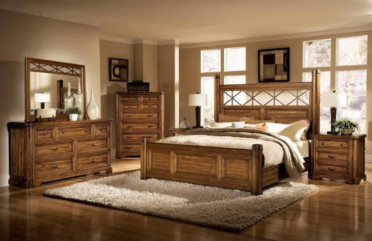 Interior Bedroom Design Ideas Feature King Size Bed With Beige Bedding And 4 Cottony