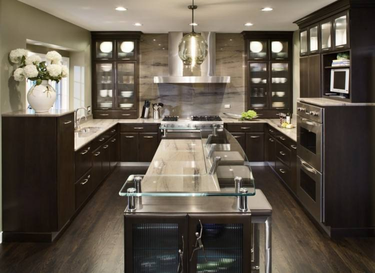 The latest kitchen trends we have seen in 2016 is combining kitchen cabinet colors