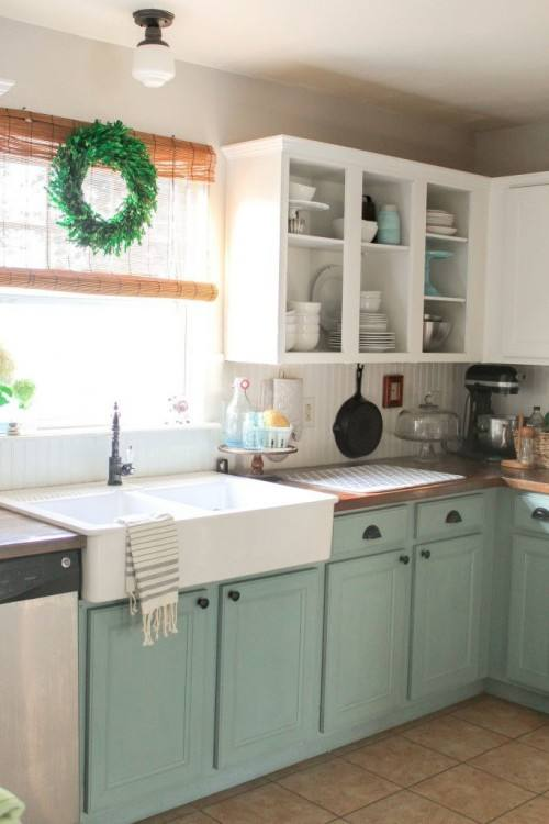 Meredith from The Palette Muse had already done a kitchen cabinet painting project in her old house