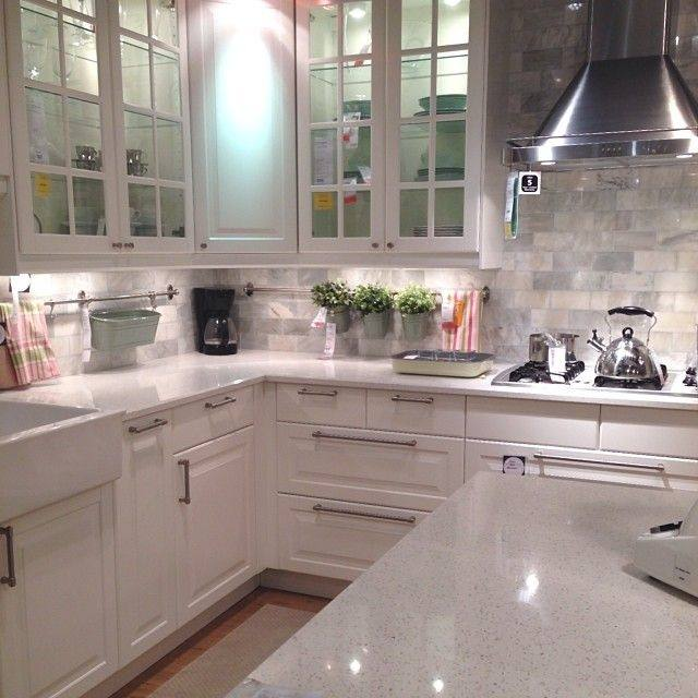 White Cabinets Backsplash, Beige Kitchen